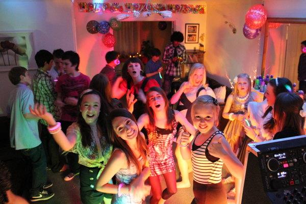School-Prom-kids-discos