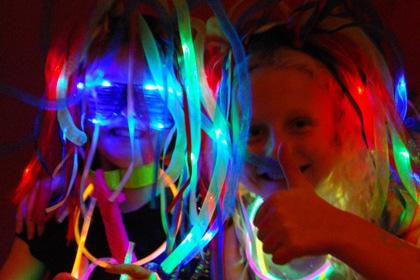 Glowsticks-Kids-parties