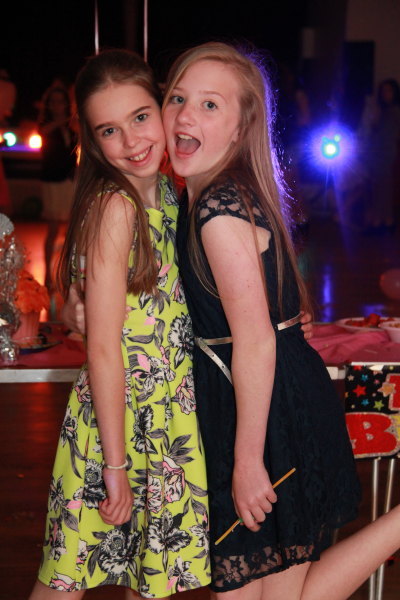 Childrens Disco With Photos For A Great Birthday Party To Remember - Childrens birthday entertainment essex