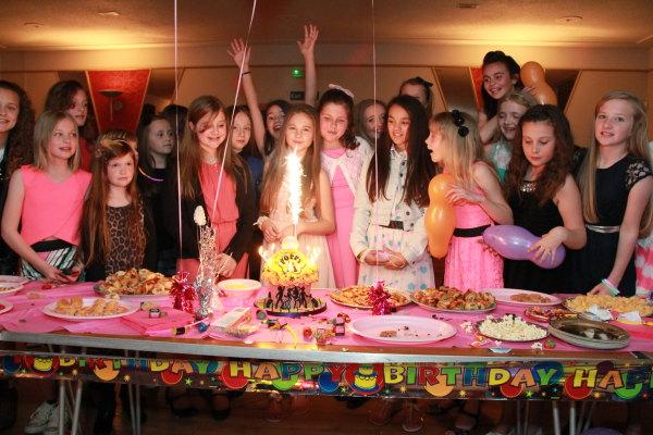 childrens-disco-birthday